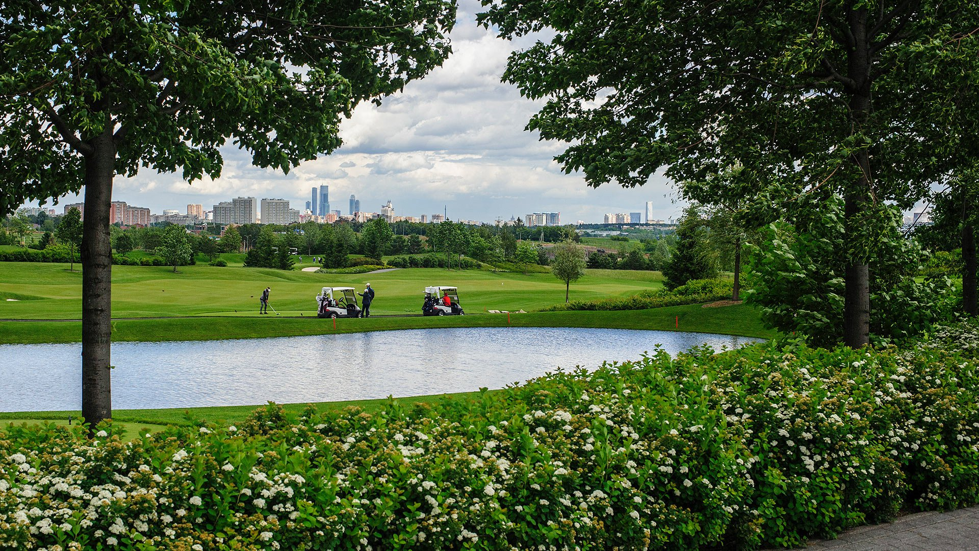 Элитные гольф клубы в москве стряпуха москва клуб